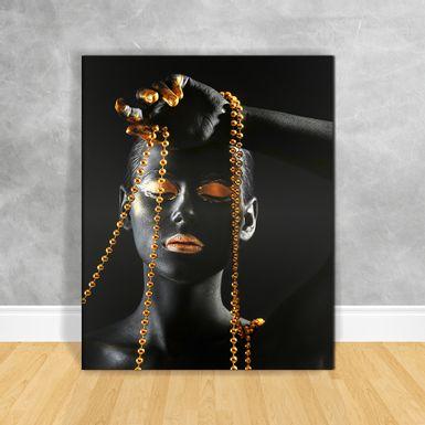 Quadro-Impressao-em-Vidro---Black-Woman-Gold-Cordao