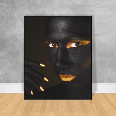 Quadro-Decorativo-Black-Woman-Unhas-e-Boca-Gold