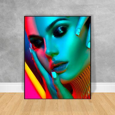 Quadro-Decorativo-Black-Woman-Gola-e-Brilho-no-Olhar
