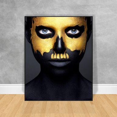 Quadro-Decorativo-Black-Woman-Metade-do-Rosto-Dourado